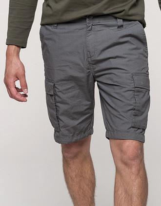Leichte Bermuda-Shorts für Herren mit mehreren Taschen